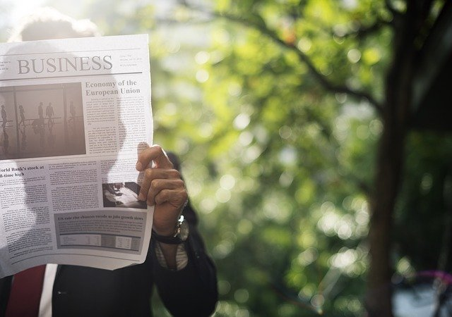podnikatel a noviny.jpg