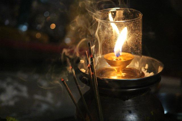 Svíčka a tyčinky